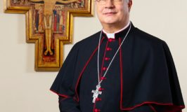 Arcivescovo_Roberto_Carboni